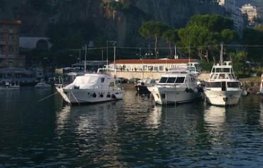 Ladri dal mare, rubate due barche a Marina Piccola