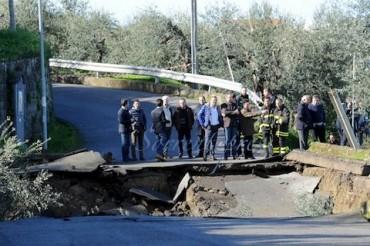 Frana al Capo di Sorrento, domani riapre la Provinciale ed anche la strada alternativa per Li Simoni