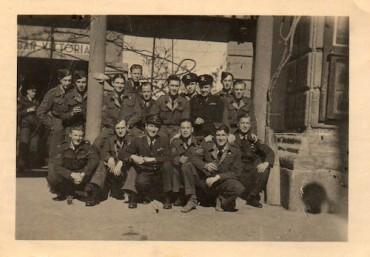 Pilota della Raf durante la seconda guerra mondiale torna a Sorrento per girare un documentario autobiografico
