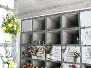 Lavori fermi al cimitero: nicchie, arrivano una raffica di disdette
