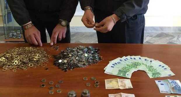 Occhio ai soldi falsi, chiusa zecca clandestina in Provincia di Napoli
