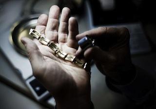 """Controlli nei """"compro oro"""" della Provincia: denunce, sequestri e multe"""