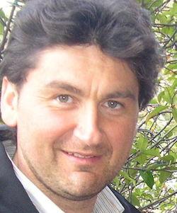 Autorizzazione al Filou, 9 indagati tra i quali l'assessore Mario Gargiulo