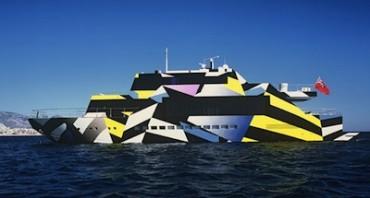 """Nel golfo di Napoli, il super-yatch di 32 metri denominato """"Guilty"""""""
