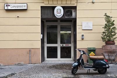 """Caserma dei carabinieri di Piano, parlano i proprietari dello stabile: """"Nessuno sfratto in vista"""""""