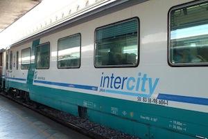 Entro giugno addio al treno Intercity di Trenitalia