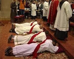 Tutto pronto per la cerimonia di ordinazione di 5 nuovi sacerdoti in programma oggi nella cattedrale di Sorrento