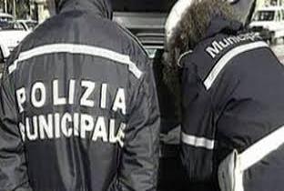 Tenta di corrompere i vigili di Vico Equense, arrestato