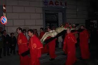 Nella chiesa dell'Addolorata esposte le foto dei riti pasquali