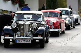 Auto d'epoca e Ferrari in arrivo tra le due costiere e Capri