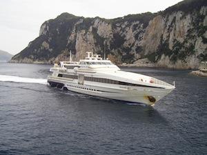 Aliscafo contro banchina, paura a Capri