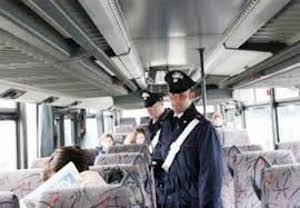 Controlli a tappeto delle forze dell'ordine in Provincia di Napoli sui bus turistici: uno su tre non è in regola