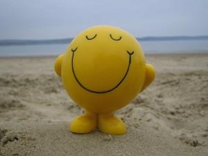"""Dopo le tante polemiche, arriva il video """"Happy"""" che mette tutti d'accordo -Guarda –"""