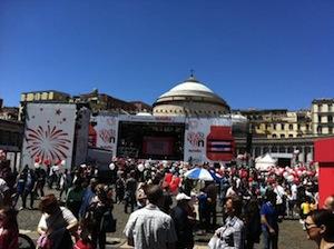 Migliaia di persone in piazza Plebiscito per la festa della Nutella
