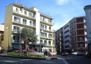 Ennesimo incidente a Pozzopiano, finisce in ospedale giovane avvocato di Sorrento