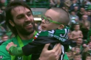 Celtic campione di Scozia, a fine gara Samaras e Lennon commuovono il mondo -Guarda Video-