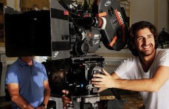 """""""Si accettano miracoli"""" è il nuovo film di Alessandro Siani girato in Costiera"""
