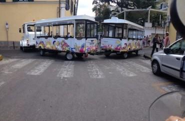 Si blocca il trenino, traffico in tilt a Sorrento