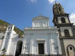 Concluso il restyling della basilica di Meta