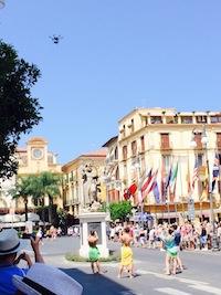 """""""Una notte per Caruso"""": riprese realizzate con un drone in piazza Tasso -video-"""