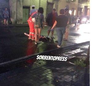 Incidente a Marano, donna stesa al suolo: traffico bloccato