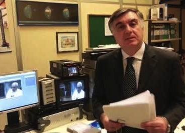 Massimo Milone presenta al Comune il suo libro sulla rivoluzione comunicativa di Papa Francesco