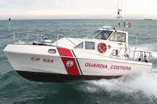 Scompare pescatore, ricerche nelle acque di Capri