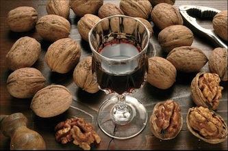 """Il rito del """"nucillo"""" rivive nella tradizionale festività religiosa di San Giovanni"""