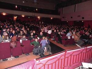 Si avverte odore di gas, evacuato il Teatro delle Rose pieno di bambini