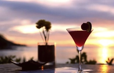 Mojito mediterraneo e cocktail rivisitati: la penisola delle innovazioni tra finger food e panorami