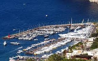 Ormeggi a Capri, solo al porto turistico