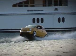 La 500 che fa impazzire Ibiza -video-