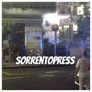 Fumo e fiamme in una rosticceria di via degli Aranci -fotogallery-