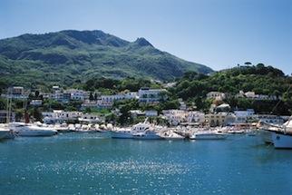 Ischia, truffa casa vacanza: denunciato un napoletano