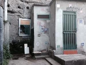 Spiaggia San Francesco: vandali in azione nella notte