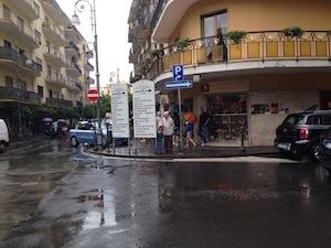 Sorrento, turisti rubano l'incasso della panetteria
