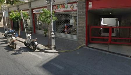 Raid nei box auto di Sant'Agnello, rubato uno scooter