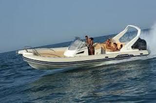 Ritrovato alla deriva il tender scomparso da un maxi yacht