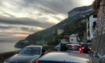 Incidente mortale sull'Amalfitana, perdono la vita due giovani