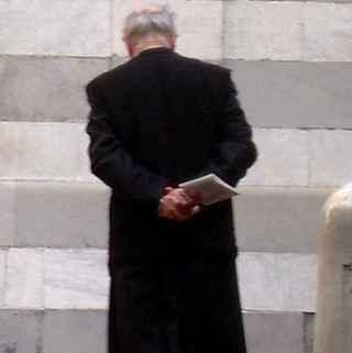 Falso prete al santuario di Pompei con un coltello di 24 centimetri in tasca