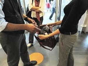 Due giovani di Vico Equense arrestati per furto al centro commerciale