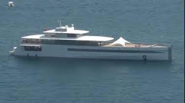 Nel golfo il futuristico yacht Venus di Steve Jobs