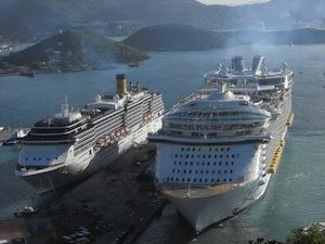 """A Napoli arriva """"Oasis Of The Seas"""" la nave più grande del mondo"""