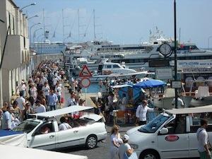 Riduzione degli attracchi a Capri, armatori contro il sindaco