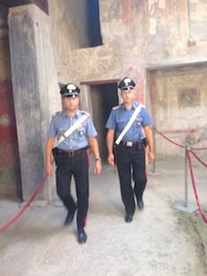 Entra abusivamente negli scavi di Pompei: fermata 33enne di Sorrento