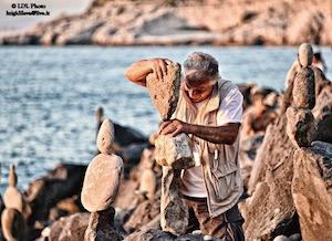 In costiera tornano gli artisti dello Stone Balancing
