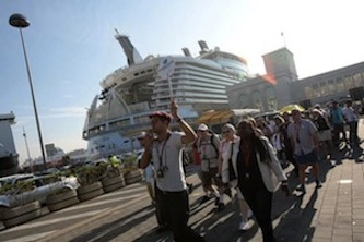 A Napoli arriva Oasis of the Seas, il gigante del mare