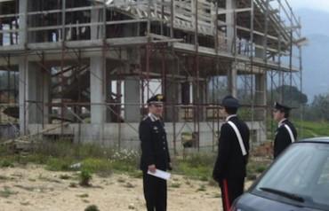 Abusi edilizi in penisola sorrentina, 13 denunciati