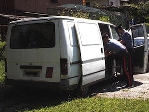 Ruba furgone e posate d'argento a Sant'Agnello, arrestato