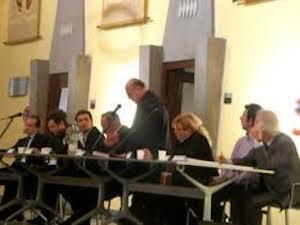 Bagarre in Consiglio comunale tra gli ex alleati Fiorentino-Ciampa